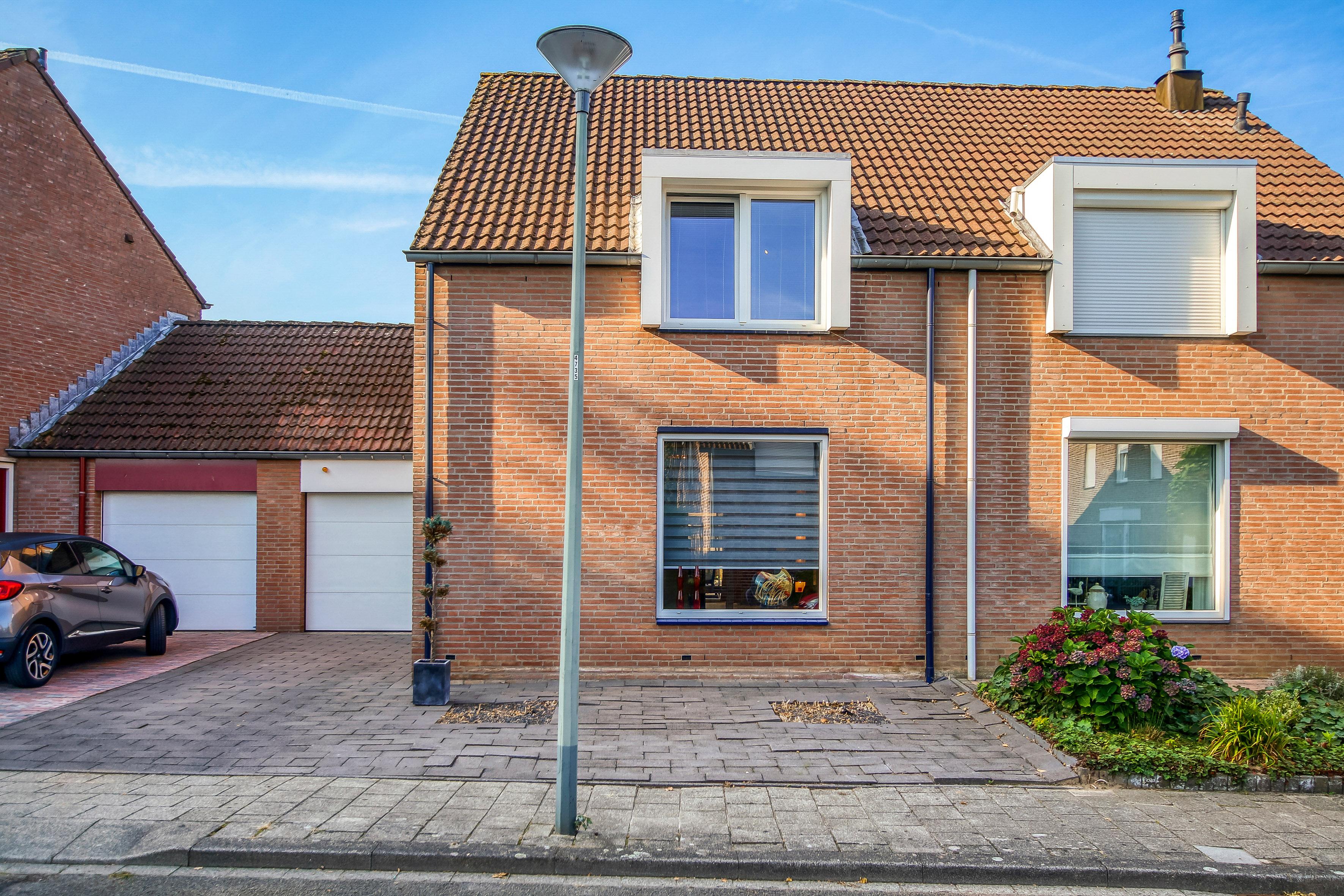 House for sale De Leu 4 a Oirsbeek